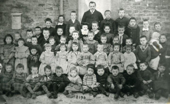 Photo école Williers, probablement 1890